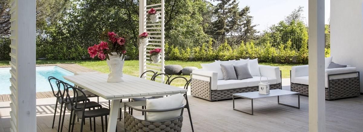 Vivereverde arredi per esterni 3d arredo giardino for Completi da giardino