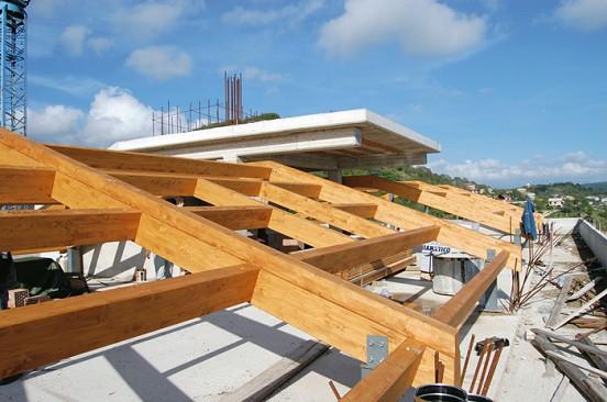 Vivereverde online shop arredi da giardino arredamento for Montaggio tetto in legno ventilato