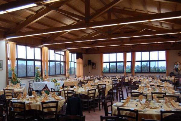 Vivereverde arredamenti per esterni bar arredo for Arredo giardino treviso
