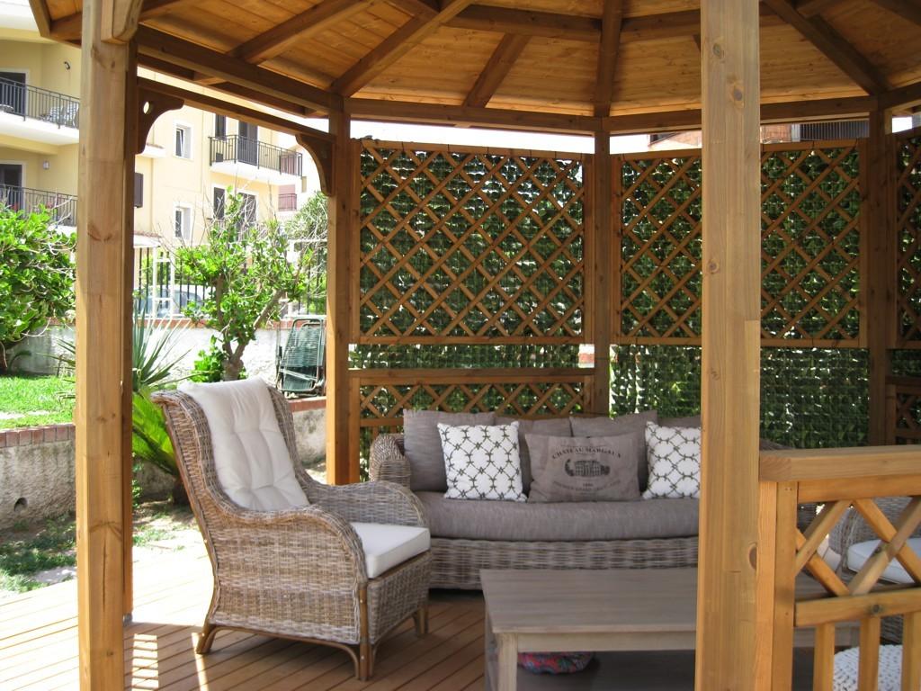 Vivereverde salotto da giardino carrefour salotto da for Arredi esterni dwg