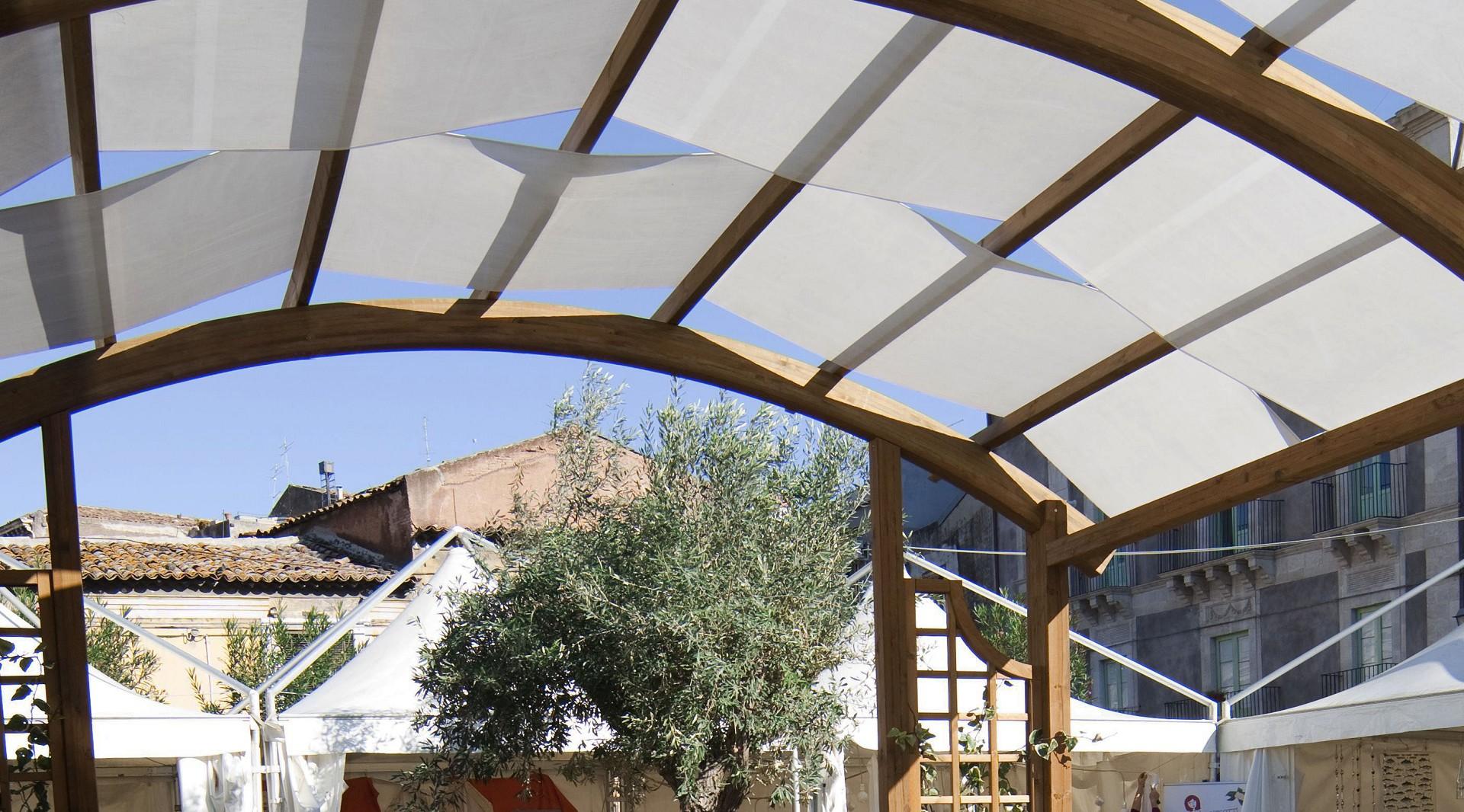 Vivereverde pergole bioclimatiche pergole in ferro for Arredo giardino conforama