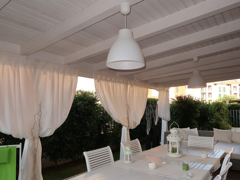Vivereverde tettoia fotovoltaica tettoia giardino for Mondo convenienza arredo giardino