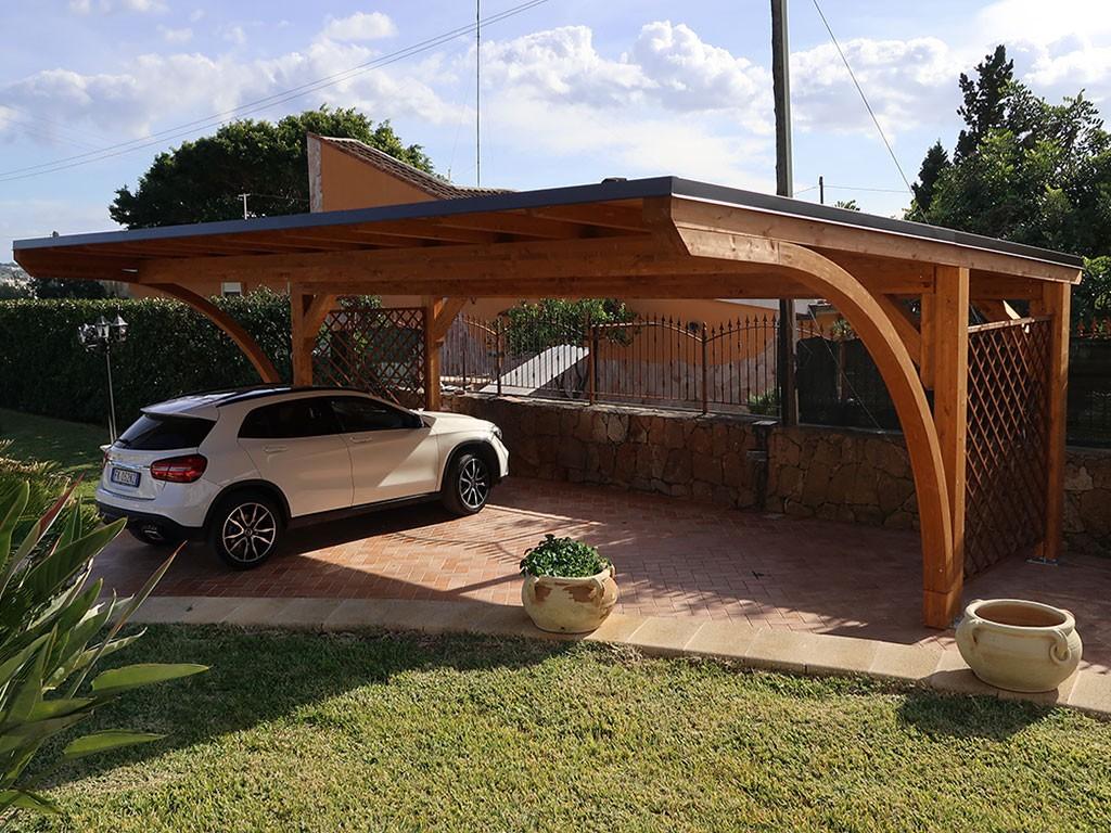 Vivereverde carport in legno carport in legno per auto for Arredi da giardino in legno